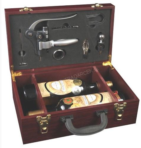 8f6bcf3e7 Darčeky pre mužov | Drevený kufrík na vína s vývrtkou | EXTRADARCEK ...